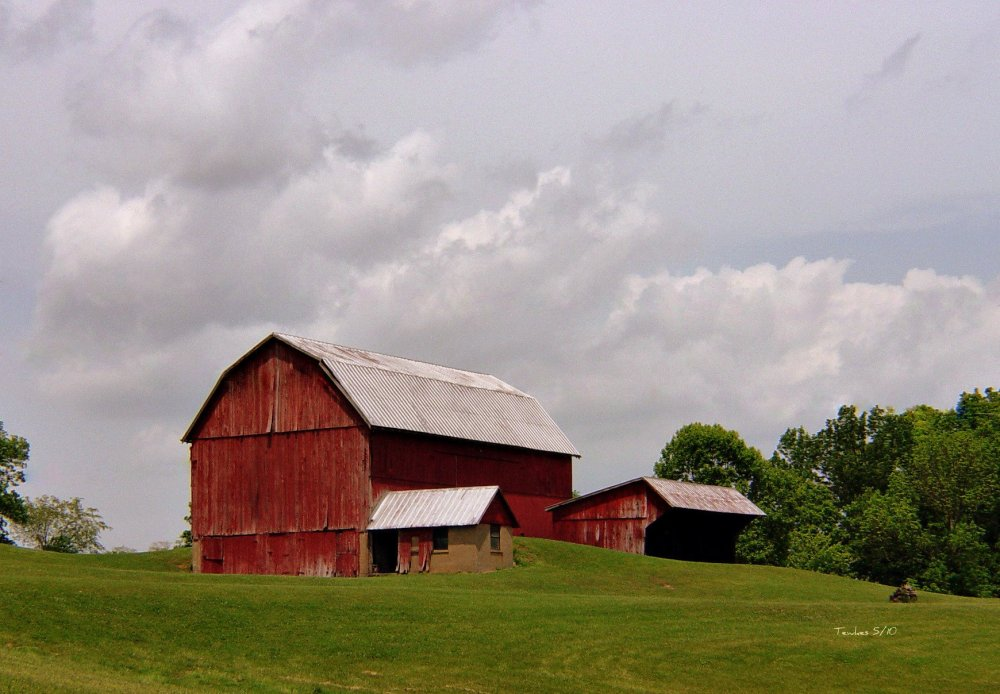 """gb_packards (Mike), """"Big Red Barn"""" May 17, 2010 via Flickr, Creative Commons Attribution."""